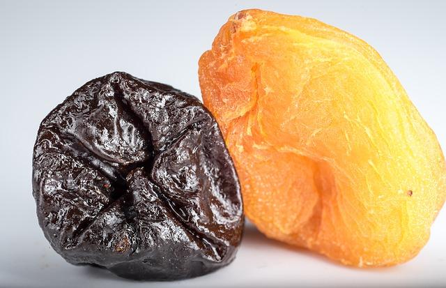 sušené meruňky a švestky