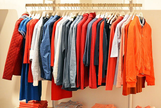 pověšené oblečení.jpg